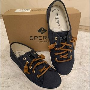 NWT Sperry shoe